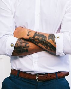 Sleeve Clips.  The subtle new accessory for catching eyes and holding sleeves.  Well appointed gentleman of yore secured their sleeves with cufflinks, banker bands and sleeve garters.  Today, gents have a superior option.  The stylish gleam and vigorous hold of Sleeve Clips.