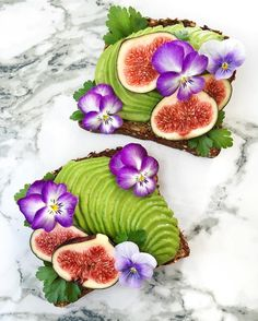 letscookvegan:  Avocado toast with fresh figs and edible flowers by @secretsquirrelfood  Enjoy! #LetsCookVegan