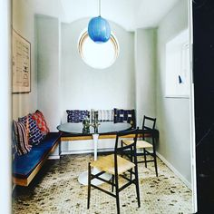 """Tina Seidenfaden Busck på Instagram: """"Thank you @rum_id and @hellewalsted for the beautiful feature on one of The Apartment's projects in collaboration with @stinelangvad #benchby #københavnsmøbelsnedkeri #bespokepillowsby #tapetcafe #gioponti #veninilamp #theapartmentproject #stinelangvad #welove"""""""