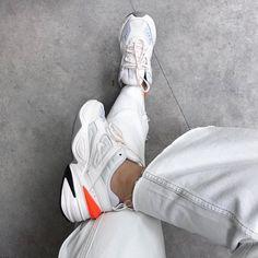 563d27e8b1be7 Encuentra Nike M2K Tekno Zapatillas - Mujer en Nike.com. Entrega y  devolución gratuitas