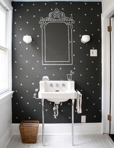 DIY Chalkboard Projects 20 ideas--Seriously, I need to get my hands on some chalkboard paint. I really hope this isn't something that will go out of style. Bad Inspiration, Bathroom Inspiration, Chalkboard Paint, Chalkboard Ideas, Chalkboard Wallpaper, Chalkboard Mirror, Blackboard Wall, Kitchen Chalkboard, Fall Chalkboard