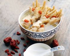 Cold Dressed Chicken Feet with Chinese Angelica and Goji
