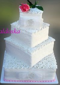 4 Tier Square Cake with ruffles tutorial