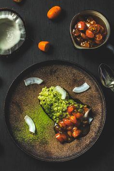 Chia-Matcha-Kokosmilchreis mit Kumquatkompott