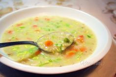Zimná zeleninová polievka s ovsenými vločkami je výdatná a chutná nielen pre deti.