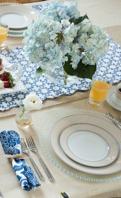 Joss & Main: Feeling a Lil Blue? Not with this dining set!