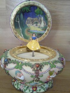 Disney Snow White and the seven dwarves music box