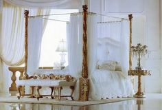 Old Fashioned Bed, Bed with Baldachin