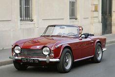 パリのクルマ vol.2 『赤いオープンカー』 : 「パリ Paris」 カメラマン都筑 清の写真ブログ