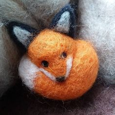 Needle felt fox brooch by Apulina on Etsy #dorsetteam