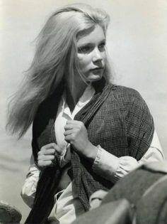 Yvette Mimieux trivia, pictures, links and merchandise. Part of the TV and Movie Trivia Tribute. Yvette Mimieux, Debbie Reynolds, Movie Facts, In Hollywood, Beautiful People, California, Actresses, Memories, Celebrities
