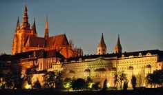 Here are the best activities to do with great food and drinks to choose in Prague at night.