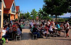 So langsam werden die Plätze knapp. ... Aber Hauptsache, es gibt ausreichend Getränke, nicht nur in Losheim am See.  :-)