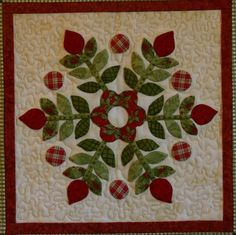 Hello Everyone, This quilt is called Christmas Windows by Brandywine Designs . This is my favorite Christmas quilt that I made several ye. Applique Quilt Patterns, Hand Applique, Small Quilts, Mini Quilts, Quilting Projects, Quilting Designs, Flower Quilts, Patch Aplique, Green Quilt