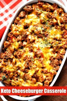 This easy keto cheeseburger casserole is hearty and filling and makes a wonderful low carb alternative to a cheeseburger. This easy keto cheeseburger casserole is hearty and filling and makes a wonderful low carb alternative to a cheeseburger. Keto Meal Plan, Diet Meal Plans, Cena Keto, Comida Keto, Carb Alternatives, Keto Casserole, Low Carb Cheeseburger Casserole, Paleo Casserole Recipes, Low Calorie Recipes
