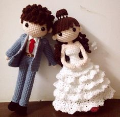 Amigurumi bride and groom wedding dolls. (Inspiration). #crochetdolls