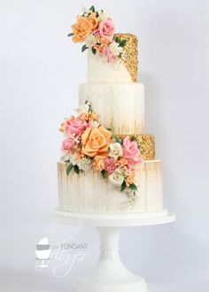 Gorrrrrrgeous tones of soft pink, peach and just a touch of old gold <3