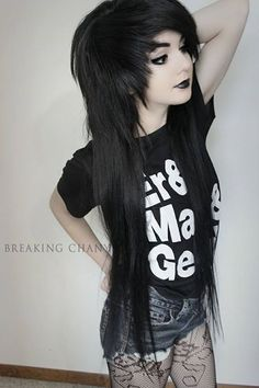 holy shizz the length of her hair.- holy shizz the length of her hair. mine is long but i want mine that long holy shizz the length of her hair. Black Scene Hair, Curly Scene Hair, Short Scene Hair, Scene Bangs, Sisterlocks, Nu Goth, Protective Styles, Flat Twist, Goth Make Up