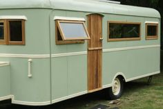 Camper Makeover And Remodel 99 Brilliant Ideas Camper Exterior Paint - Wohnwagen Vw Camper, Camper Life, Camper Trailers, Rv Life, Retro Trailers, Tiny Camper, Vintage Rv, Vintage Caravans, Vintage Travel Trailers