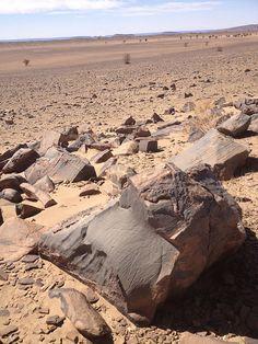 Rocas del desierto de Sahara #marueccos Maroc Désert Expérience http://www.marocdesertexperience.com