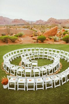Spiral shaped aisles are making a splash in this season's #weddings.