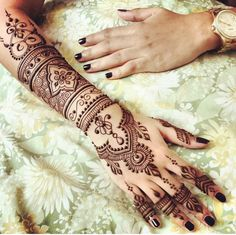 49 Beautiful Henna Tattoo Designs For Girls To Try At least Once - Torturein Egypt Tribal Henna Designs, Henna Tattoo Designs Arm, Modern Henna Designs, Henna Ink, Henna Tattoo Hand, Beautiful Henna Designs, Simple Mehndi Designs, Tattoo Designs For Girls, Mehandi Designs