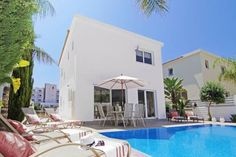 Villa Lyda Protaras Within 600 metres from Kalamies Beach in Protaras, Villa Lyda offers a private swimming pool with a sun terrace. This self-catering accommodation features free WiFi.