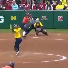 Tag a shortstop who balls out like this! Michigan Softball, Softball Memes, Softball Workouts, Softball Drills, Softball Bats, Girls Softball, Fastpitch Softball, Softball Players, Softball Stuff