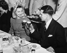 Vivien Leigh  Laurence Olivier toast