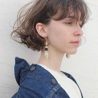 「ショートボブ」×「ゆるふわパーマ」でやわらかな雰囲気に♪おすすめヘアスタイル集