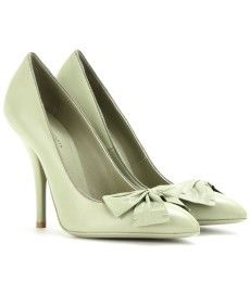 loves these pumps