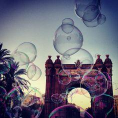 Bubbles @ Arc de Triomf, Barcelona