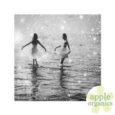 Ahh, Friday! Time to sparkle! #Happy #Friday #FriYay #Sparkle #Live #Love #ToxicFree #AnAppleADay #OrganicSkincare #AllNatural #Vegan #CrueltyFree #Beauty #SkinCare #SmallBatch #GreenBeauty #ecoSkincare #ShopSmall #GreenvilleSC #yeahTHATgreenville #HaveABeautifulDay #BeautifulSkinStartsHere #AppleOrganics #Shop #Follow #OrganicBeauty #NaturalBeauty #WomenInBusiness