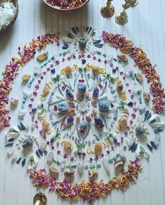 How to create an altar space #Ad Wicca, Crystal Mandala, Crystal Flower, Crystal Magic, Crystal Grid, Crystals And Gemstones, Stones And Crystals, Witch Aesthetic, Mandala Art