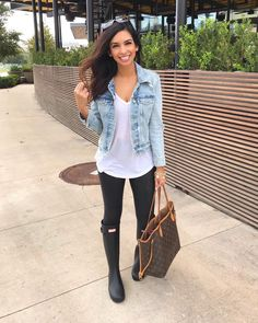 girls style 19 What to look for in your tailor What to look for in your tailor: Whether your fabulou Outfits Fo, Outfits Leggins, Cute Rainy Day Outfits, Fall Winter Outfits, Spring Outfits, Fashion Outfits, Womens Fashion, Rainy Day Outfit For Spring, Boot Outfits