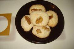 Fursecuri fragede cu nuca, stafide sau migdale, delicioase cu ceai sau lapte pentru copii sau musafiri.