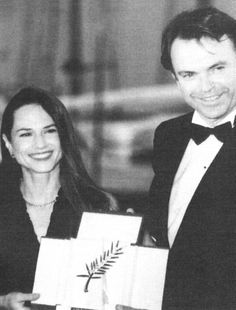 Holly Hunter - Sam Neill - Festival de Cannes 1993. Piano, Sam Neill, Cannes, Abraham Lincoln, Actresses, Music, Movies, Female Actresses, Musica