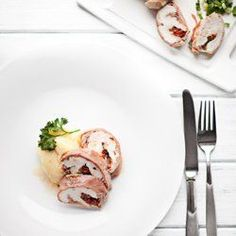 Kurczak z suszonymi Pomidorami Smaku Roulade of Chicken with Mozzarella and Sun-dried Tomatoes Mozzarella Chicken, Sun Dried, Antipasto, Cheddar, Food Inspiration, Entrees, Brunch, Food And Drink, Favorite Recipes