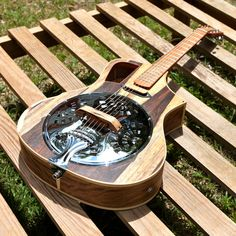 Raulo Guitars ~ https://www.pinterest.com/lardyfatboy/ ~