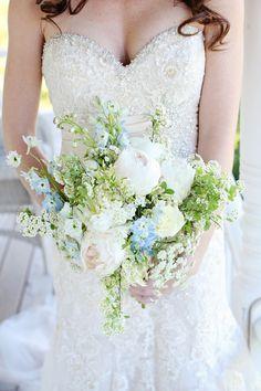 blue and white wedding bouquet http://www.weddingchicks.com/2013/08/30/summer-wedding-bouquets/