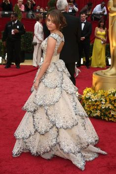 Oscars Fashion: The Worst Dressed Of All Time! [PHOTOS]