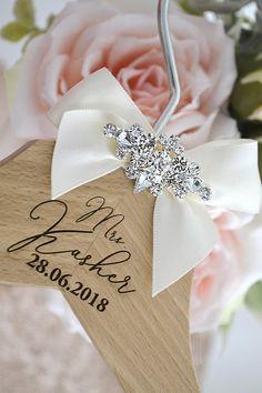Wedding Hanger, Wedding Gift, Personalised Wedding Hanger, Luxury Wedding Dress Hanger, Bridesmaid Gift, Bridal Party Wedding Hanger