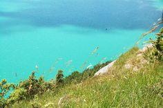 Lac de Chalain depuis le Belvédère de Fontenu // Chalain lake from the Belvedere Fontenu #franchecomte #nature #lake