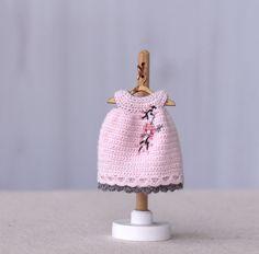 4 pulgadas muñeca miniatura ganchillo vestido para la muñeca