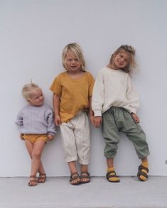 The elegant child is the title of his parents, so always make sure to choose your children's clothes very precisely, and take what suits your child of fashion every year, taking into account his age and body measurements 👨👩👦 Baby Girl Fashion, Toddler Fashion, Kids Fashion, Cute Kids, Cute Babies, Baby Kids, Kids Outfits Girls, Boy Outfits, Toddler Outfits