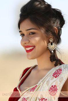 Amna sharif boob show share your