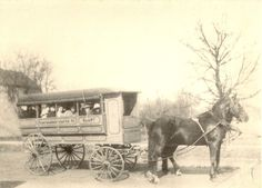 Ahh the first 'School Bus'. the girls absolutely loved this! What a creative idea, a mode of transport to take the children to school. It's so helpful to the children who must walk in the blistering cold here in the Philadelphia winters. Vintage Pictures, Old Pictures, Vintage Images, Old Photos, Old School House, Thing 1, Vintage School, Historical Pictures, Old West