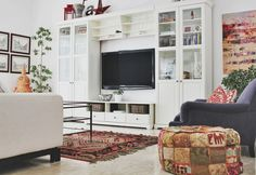 Kera's Modern Cultural Family Home — An Apartment Therapy + Aphrochic Remix House Tour Classic Living Room, Home Living Room, Living Spaces, Ikea Dining Room, Family Room, Home And Family, How To Make Pillows, Home Decor Inspiration, Decor Ideas