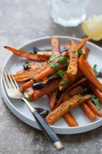 Moroccan Spiced Roasted Sweet Potatoes and Carrots Recipe from Gourmande in the Kitchen (vegan) Carrot Recipes, Vegetable Recipes, Whole Food Recipes, Vegetarian Recipes, Healthy Recipes, Carrot Dishes, Vegan Vegetarian, Clean Eating Recipes, Healthy Eating