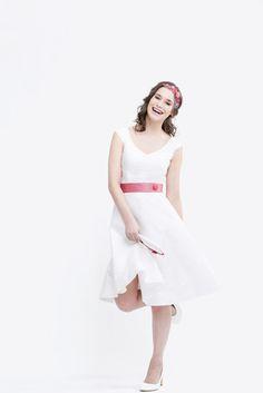 noni noni Lieblinge   noni Lieblinge - kurzes Brautkleid mit Punkten und rosa Gürtel mit Knopf (www.noni-mode.de - Foto: Le Hai Linh)